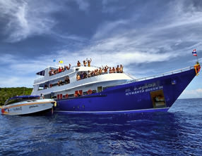liveaboard manta queen similan islands khao-lak thailand